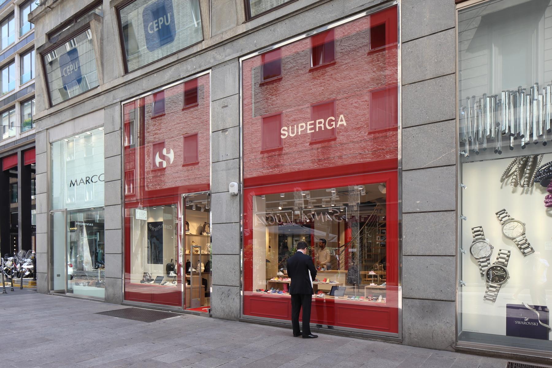 Negozio Superga Milano | Ceramiche Caesar