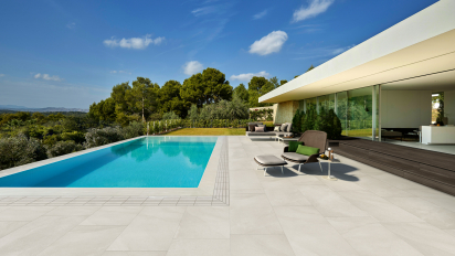Pool stone look porcelaint tiles