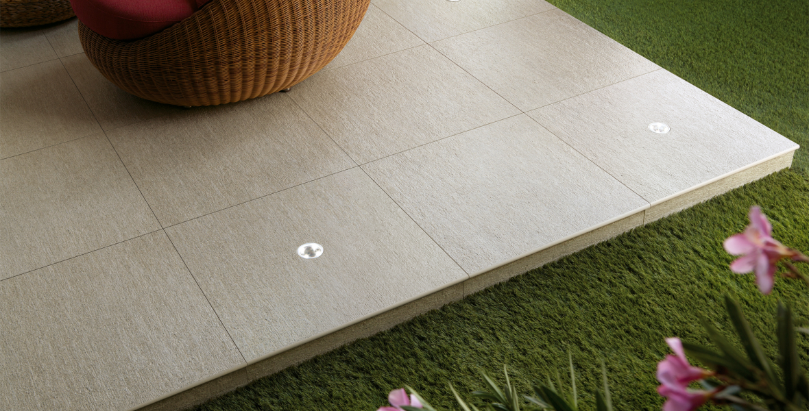 Outdoor tiles stone effect beige