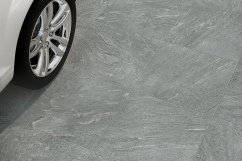 Ceramic tiles for carriageable floors